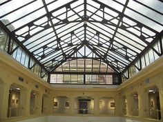File:Thomas-center-gville inside skylight west01.jpg