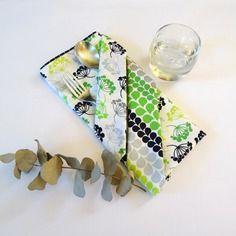 Grande serviette de table enfant, verte et grise