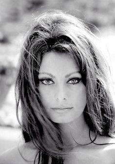 Sofia Loren. Timeless beauty.