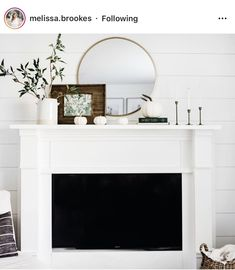 White Mantle Fireplace, Fall Mantle Decor, Fall Home Decor, Mantle Ideas, Mantle Decorating, Fireplace Mantle Decorations, Fake Mantle, Mantles Decor, Holiday Decor