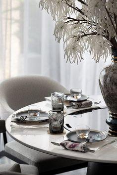 Ideas and inspiration for modern bedroom design furniture … – Table Ideas Modern Bedroom Design, Decor Interior Design, Interior Styling, Large Furniture, Furniture Design, Dining Table Runners, Luxury Furniture Brands, Restaurant Furniture, Oriental Design