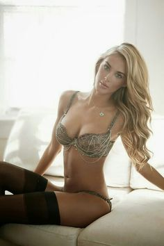 Community to share and showcase photo collections of beautiful Hot Girls from all around the world. The place for Hot Girls to show off and get comments or likes they deserve. Sexy Lingerie, Vintage Lingerie, Beautiful Lingerie, Women Lingerie, Passion Lingerie, Lingerie Outfits, Luxury Lingerie, Sexy Bra, Bb Beauty