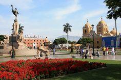 La Capital de la Primavera, ciudad de la vieja estirpe colonial, muy cercana a Chan Chan, capital de la nación Chimú (S. XIII), una de las más grandes ciudades del mundo construida en barro, declarada Patrimonio Cultural de la Humanidad por UNESCO.