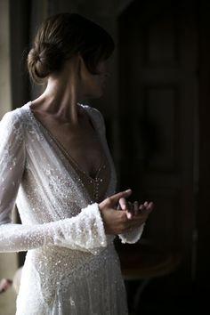 Glamorous wedding gown with neat chignon. Perfect for a summer wedding Boho Wedding, Wedding Gowns, Dream Wedding, Wedding Day, Wedding Bride, Glamorous Wedding, Wedding Pics, Wedding Things, Elegant Wedding
