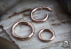 Rose Gold Clicker ring, id love this for my septum!