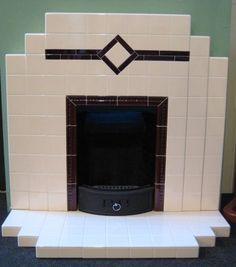 Art deco gietijzeren openhaardje met tegelschouw / small cast iron fireplace with tiled fireplace. Art Deco Tiles, Art Deco Decor, Art Deco Home, Art Deco Design, 1930s Fireplace, Art Deco Fireplace, Tiled Fireplace, Simple Fireplace, Architecture Art Nouveau