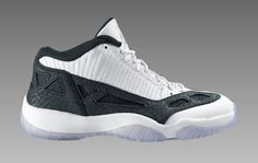Jordan XI Low Retro
