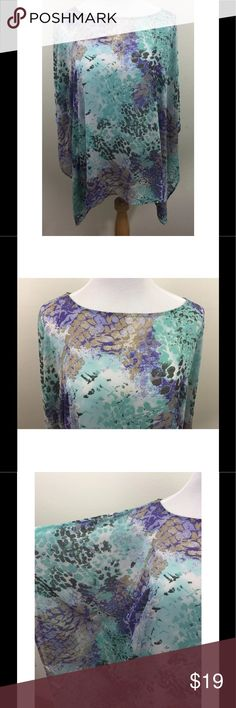 Chico's Bat Wing Dolman Kimono Sleeves Sheer Top Chico's Bat Wing Dolman Kimono Sleeves Sheer Top Sz Small Medium Asymmetrical  Excellent, gently used condition - no flaws noted Chico's Tops