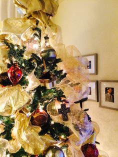 Christmas Tree 2014 - up close look without the 2nd set of ribbons yet