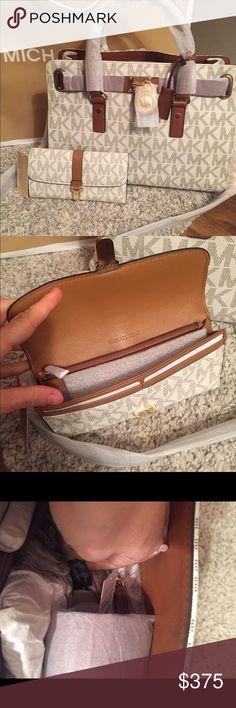 "❤️Michael Kors Signature Traveler Hamilton ❤️️ ⭐️NWT MK Medium Vanilla Signature Traveler Hamilton & Charlton Flap Wallet.. Wallet is Pushlock closure🔹Four interior bill slots, ID window, nine card slots, interior zip pocket**7.5""L x 1""W x 4.5""H🔹Hamilton is medium size🔹Vanilla  Gold~Tone Hardware Double Handles w/ 3 1/2"" Drop🔹Shoulder Strap w/ 10 1/2"" Drop🔹Short Leather Flap w/ Magnetic Snap Closure🔹MK Lock & Key🔹1 Zip & 2 Open Slip Pockets; Key Fob🔹Approx. Measurements: L 12 3/4"" x…"