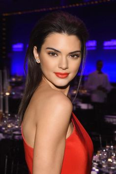 Kendall Jenner in a slinky red dress at the 2015 amfAR Gala in New York - My Face Hunter