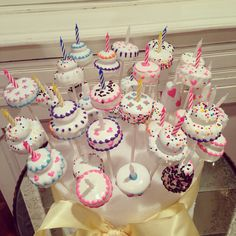 Birthday Candle Cake - Cake Pop on Etsy, $36.00 #Birthdaycakepops