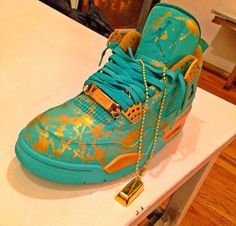 Statue of Liberty customs!