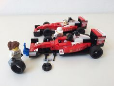 https://flic.kr/p/WFELgW | Ferrari Formula 1 - Minifig scene plus front axle | Height isn't much of a problem with the taller minifigs - but length definitely is ...