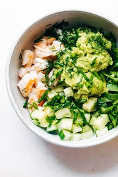 Quick and easy meals Quick and easy meals are the way to our hearts! Check out these 20 easy lunch recipes you can make in 5 minutes (or less!) including this Super Quick Shrimp Avocado Salad recipe. Shrimp Avocado Salad, Avocado Salad Recipes, Healthy Salad Recipes, Lunch Recipes, Easy Dinner Recipes, Seafood Recipes, Easy Meals, Summer Recipes, Pasta Recipes