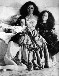Portrait of Diana and her three girls: Rhonda, Tracee, and Chudney