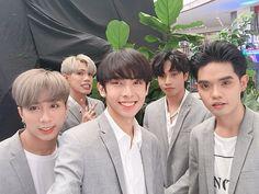Filipino Boy Group trained in a Korean Company ♡ Korean Entertainment Companies, Pop P, Korean Fashion Men, Coping Mechanisms, Aesthetic Iphone Wallpaper, Bts Wallpaper, Screen Wallpaper, Pop Group, Kittens Cutest
