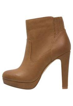 Chaussures Even&Odd Bottines à talons hauts - brown cognac: 50,00 € chez Zalando (au 13/09/15). Livraison et retours gratuits et service client gratuit au 0800 740 357.