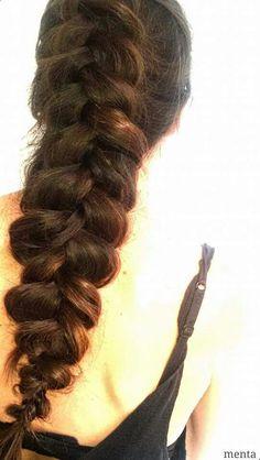 Os trenzais normalmente el pelo? Os gusta este tipo de peinado para ocasiones formales o prefieres para  completar un look casual? #beyondtheponytail #luxhair