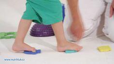 Cvičení s dětmi - 2.cvičení: CHŮZE PO PŘEKÁŽCE Pajama Pants, Montessori, Youtube, Kids, Young Children, Boys, Sleep Pants, Children, Youtubers