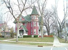 1898 Queen Anne - Beaver Dam, WI - $245,000 - Old House Dreams Remarkable interior~