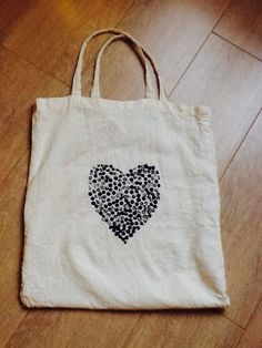 Customiser un sac uni - DIY