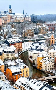 Luxembourg in the Winter/Auttum- is on average about 40 degree's Fahrenheit Luxembourg in the Summer/Spring - is on average about 60 degree's Fahrenheit Places Around The World, The Places Youll Go, Travel Around The World, Places To See, Around The Worlds, Le Luxembourg, Beautiful World, Beautiful Places, Bósnia E Herzegovina