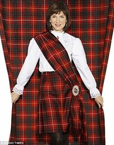 What Do Scottish Women Wear | ... tracing her family roots back to Scotland in Who do you think you are