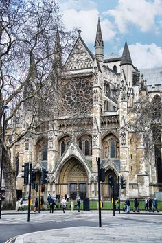 At the Westminster Abbey in London. England Uk, London England, Oxford England, Travel England, Cornwall England, Yorkshire England, Yorkshire Dales, Beautiful Buildings, Beautiful Places