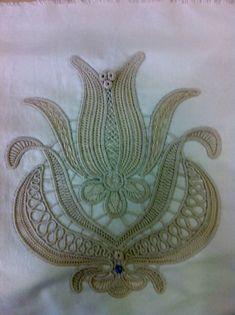This Pin was discovered by hat Macrame Patterns, Lace Patterns, Cross Stitch Patterns, Crochet Patterns, Needle Tatting, Needle Lace, Bobbin Lace, Freeform Crochet, Irish Crochet