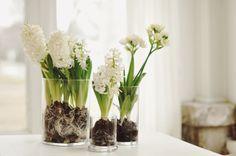 A spring centerpiece DIY. | Image via: Odessa May Society