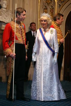 Camilla, Duchess of Cornwall, leaves after the State Opening of Parliament at the Houses of Parliament on May 2015 in London, England. The Queen's Speech is the centrepiece of the State Opening. Get premium, high resolution news photos at Getty Images Camilla Duchess Of Cornwall, Duchess Of Cambridge, Adele, Princess Dress Up, Camilla Parker Bowles, Lady In Waiting, Herzog, Prince Of Wales, British Monarchy