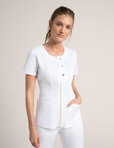 Snap Front Top in White is a contemporary addition to women's medical scrub outfits. Shop Jaanuu for scrubs, lab coats and other medical apparel. Dental Scrubs, Medical Scrubs, Scrubs Outfit, Scrubs Uniform, Jaanuu Scrubs, Beauty Uniforms, Cute Scrubs, Womens Scrubs, Uniform Design