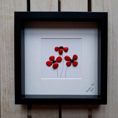 Poppies Pebble Picture Poppy Pebble Art Birthday Present Sea Glass Crafts, Sea Glass Art, Stone Crafts, Rock Crafts, Decoration Birthday, Box Frame Art, Valentines Day Presents, Birthday Presents, Pebble Pictures