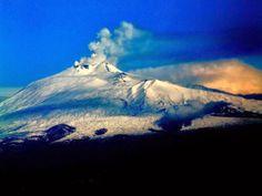 ¿Qué son los aerosoles y que tan peligrosos son? Los aerosoles provienen de erupciones volcánicas, incendios forestales  y de la sal marina. Los aerosoles forman parte de la contaminación atmosférica, el exceso de estos contribuye en gran medida al calentamiento de la tierra. Te respondió AIRLIFE.
