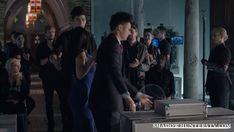 Shadowhunters - 12 Reasons Why Magnus Bane Kicks Ass As The Owner Of Pandemonium - 1010