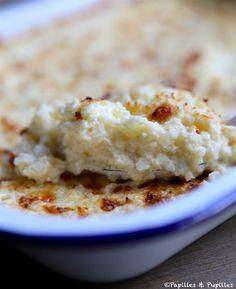 GRATIN DE CHOU-FLEUR ET MOZZARELLA | Papilles et Pupilles - 1 petit chou-fleur - 250g de mozzarella - 70g de gruyère râpé - 25 cl de crème fleurette - sel, poivre, piment d'espelette