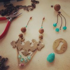 #ecocreatehour had a busy day making jewellery for my #Leeds stockist @ourhandmadecoll. Recycling vintage brassware.