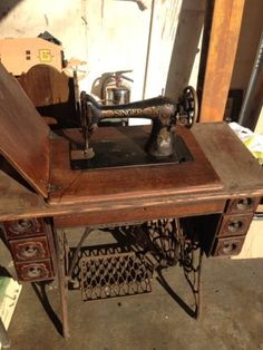 Vintage Singer Treadle Sewing Machine And Table Desk Chicago Area | eBay
