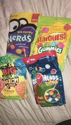 Bewitching Is Junk Food To Be Blamed Ideas. Unbelievable Is Junk Food To Be Blamed Ideas. Best Junk Food, Junk Food Snacks, Keto Fingerfood, Pyjama-party Essen, Sleepover Food, Food Porn, Chewy Candy, Food Goals, Foods To Avoid