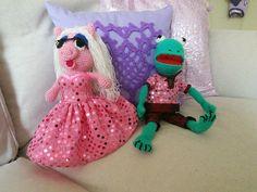 Huwelijksakte cadeau Miss piggy en Kermit zit een ei in voor geld cadeau.