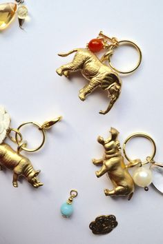 DIY: Animal kingdom key chains @twineandtable - easily cutomized, would also make a cute gift