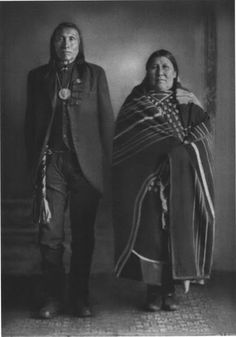 lunasol - Goes Ahead & his wife Pretty Shield, Crow - circa. Native American Photography, Native American Photos, Native American Tribes, Native American History, Crow Indians, Indian Pictures, Indian People, Folk, Native Indian