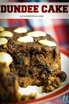 An easy recipe for Dundee cake which is an old traditional favourite in Scottish households. A cake with history, simple decoration and great taste My Recipes, Baking Recipes, Cake Recipes, Scottish Recipes, Turkish Recipes, Romanian Food, Romanian Recipes, Dundee Cake Recipe