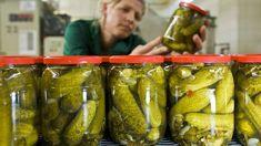Nicht nur Gewürzgurken haben es in sich, sondern auch der Sud. Best Pickles, Cucumber, Health, Tips, Food, Berlin, Clever, Low Calorie Snacks, Pickles