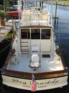 Chris Craft Commander Sportfish wood yacht