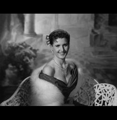 Ann B Davis, Trippy Pictures, The Brady Bunch, Creative Pictures, Celebs, Celebrities, Classic Beauty, Famous Faces, Picture Photo