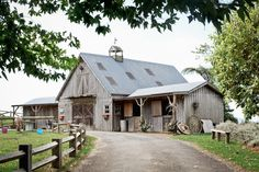 rustic french country venues Oh this is loverly! The sides would be perfect for services! Rustic French Country, French Countryside, New Zealand Country, New Zealand Destinations, Old Barns, Cabins In The Woods, Its A Wonderful Life, Country Life, My Dream Home