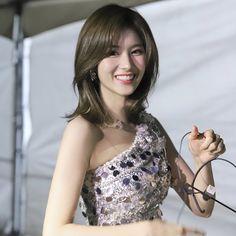 Kpop Girl Groups, Korean Girl Groups, Kpop Girls, Nayeon, The Girl Who, My Girl, Sana Cute, Song Kang Ho, Twice What Is Love