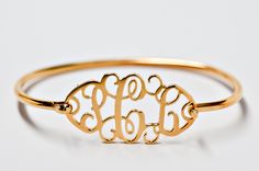 This is seriously the most gorgeous monogrammed piece of jewelry I have ever seen. WANT!:C
